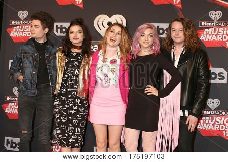 LOS ANGELES - MAR 5:  Hey Violet, Iain Shipp, Nia Lovelis, Miranda Miller, Rena Lovelis, Casey Moreta at the 2017 iHeart Music Awards at Forum on March 5, 2017 in Los Angeles, CA