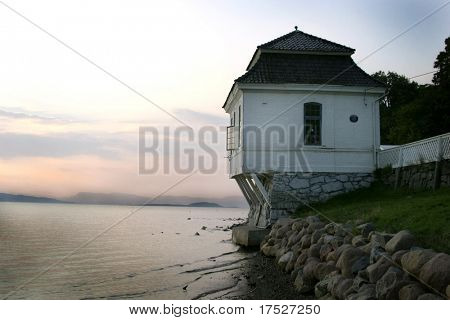 A cafe on the ocean near oslo norway