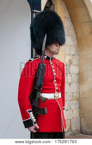 Berkshire, England - 21 July 2016 : Windsor Guard In Red Uniform Standing At Windsor Castle, Berkshi