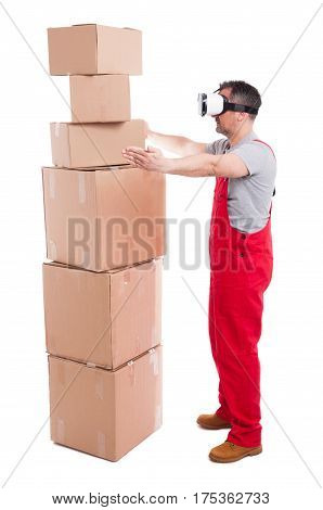 Mover Man Wearing Virtual Reality Glasses Measuring Boxes