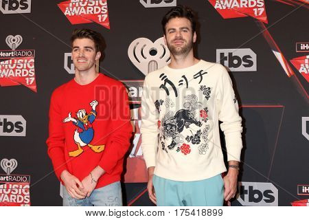 LOS ANGELES - MAR 5:  The Chainsmokers, Andrew Taggart, Alex Pall at the 2017 iHeart Music Awards at Forum on March 5, 2017 in Los Angeles, CA
