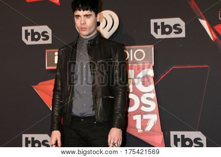 LOS ANGELES - MAR 5:  Leon Else at the 2017 iHeart Music Awards at Forum on March 5, 2017 in Los Angeles, CA