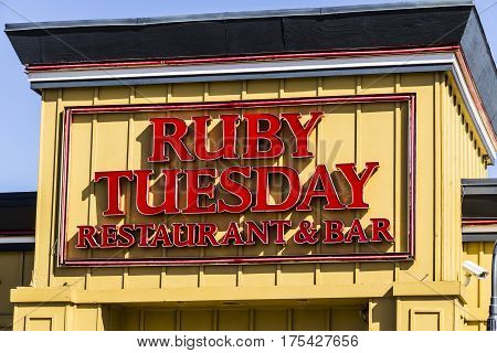 Muncie - Circa March 2017: Ruby Tuesday Casual Restaurant Location. Ruby Tuesday is famous for its Salad Bar II