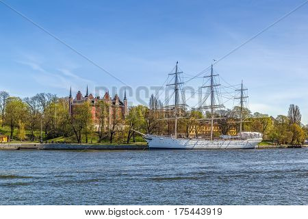 The af Chapman is a full-rigged steel ship moored on the western shore of the islet Skeppsholmen in central Stockholm Sweden now serving as a youth hostel.