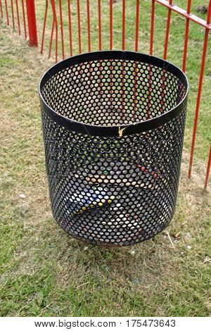 Black Metal Mesh Litter Bin