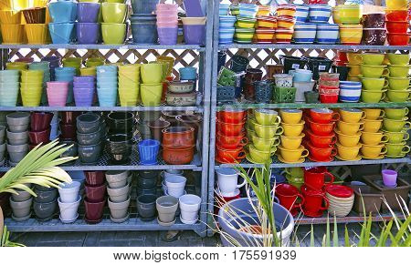 Flowerpots in many shapes and colors for sale