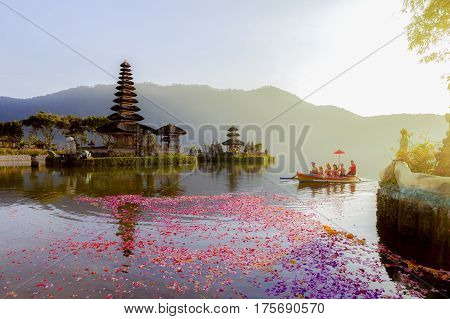 Beratan Lake In Bali Indonesia,  6 March 2017 : Balinese Villagers Participating In Traditional Reli