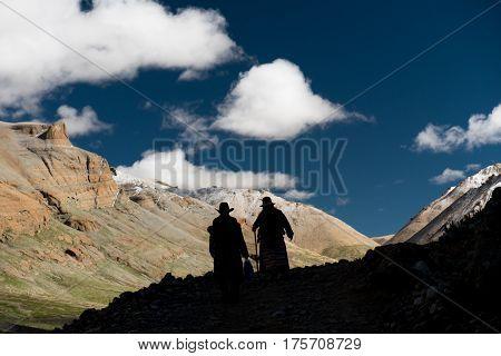Kailash Yatra travel to TIBET China Dolma La pass