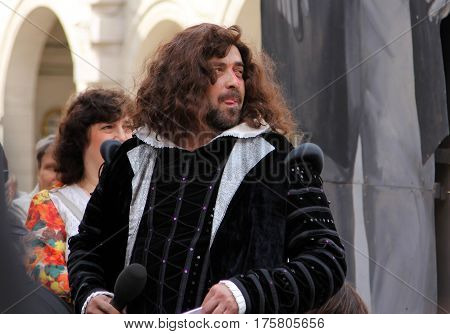St. Petersburg, Russia - Jul 5, 2014: Actor Alexander Bargmann In Image Of Great English Poet, Willi