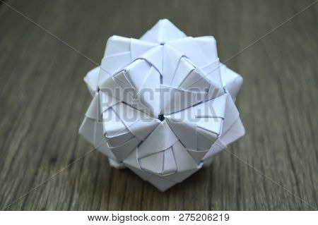 Modular Origami, Sonobe Ball, On Wooden Background