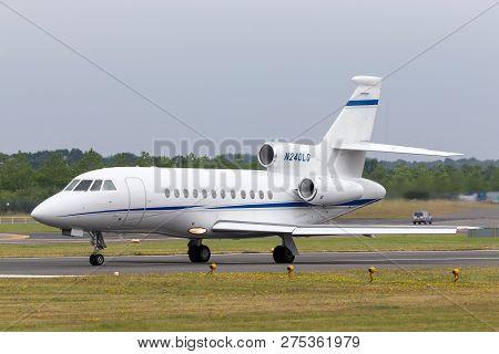 Farnborough, Uk - July 20, 2014: Dassault Falcon 900ex Business Jet N240lg.