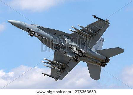 Farnborough, Uk - July 16, 2014: United States Navy Boeing F/a-18f Super Hornet Multirole Fighter Ai