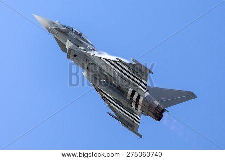 Farnborough, Uk - July 16, 2014: Royal Air Force (raf) Eurofighter Ef-2000 Typhoon Fgr4 Zk308 From N