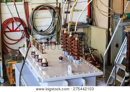 Oil Immersed Hermetic Sealed Transformer Under Short Circuit Withstanding Type Test, Power Is Suppli