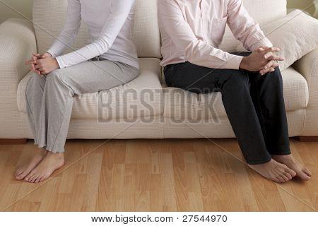 Junges Paar mit Beziehungsproblem