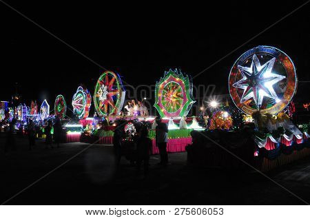Sakon Nakhon, Thailand - Dec 23, 2018 :the Celebrating Christmas With The Dazzling Star Parade  In P