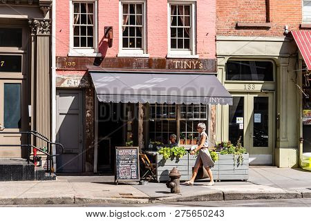 New York City, Usa - June 25, 2018: Street Scene In West Broadway Street With Traditional Sidewalk C