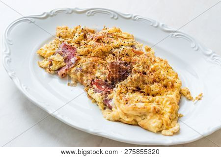 Scrambled Eggs With Cheese And Pastrami Ham / Omelette