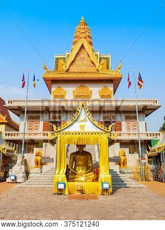 Wat Ounalom Is A Buddhist Temple Located On Sisowath Quay Near The Royal Palace In Phnom Penh In Cam