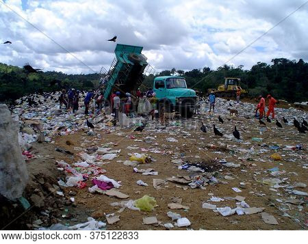Itabuna, Bahia / Brazil - September 22, 2011: Collectors Of Material For Recycling Are Seen Collecti