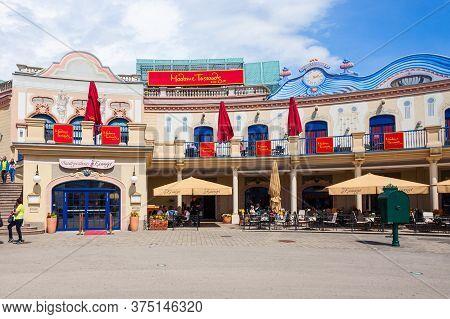 Vienna, Austria - May 13, 2017: Madame Tussauds Museum Is A Major Tourist Attraction In Vienna, Ausr