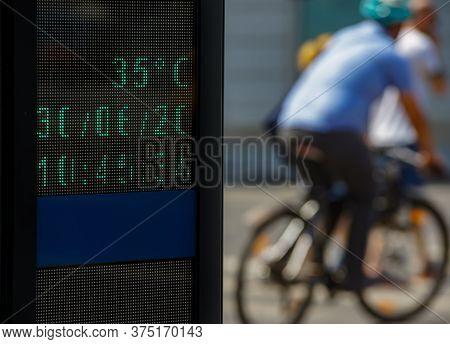 Bucharest, Romania - June 30, 2020: 35 Degrees Celsius (95 Fahrenheit) Is The Temperature Displayed