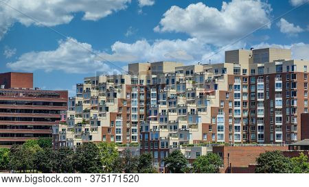 Huge Terraced Condo Building In Boston Massachussets