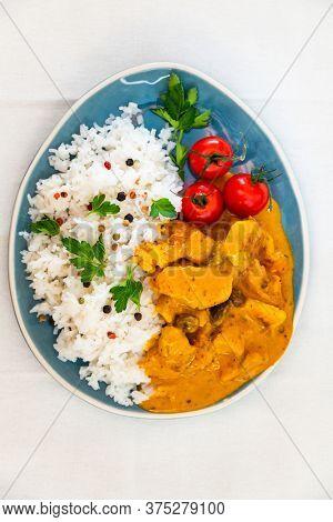 chicken tikka masala and rice basmati