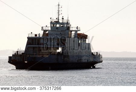 Salvador, Bahia / Brazil - October 26, 2016: Ferry Boat Rio Paraguacu Is Seen Standing In Todos Os S