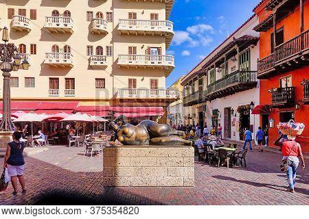 Cartagena, Colombia, 12.26.2018, The Statue La Gorda Gertrudis Of Fernando Botero On The Plaza Santo