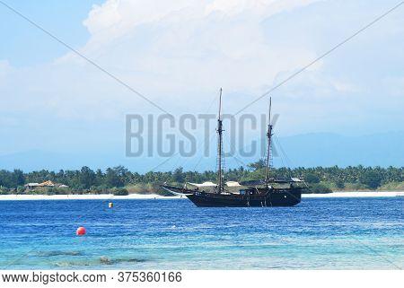 Gili Trawangan Beach Lombok, Ship On The Sea