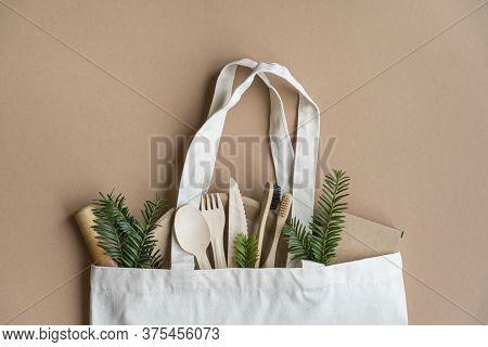 Cotton Eco Bag.  Zero Waste Concept.   Zero Waste Cotton Bag.  Eco Friendly And Reuse Concept. Woode