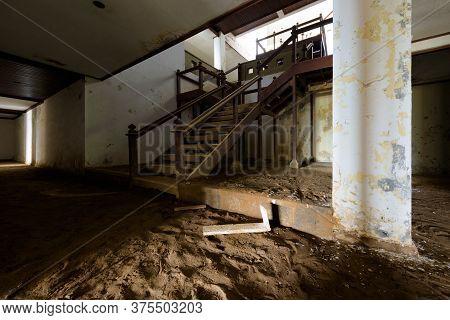 Bali, Indonesia - 22 Nov 2018: Pi Bedugul Taman Rekreasi Hotel Resort Is An Large Abandoned Structur