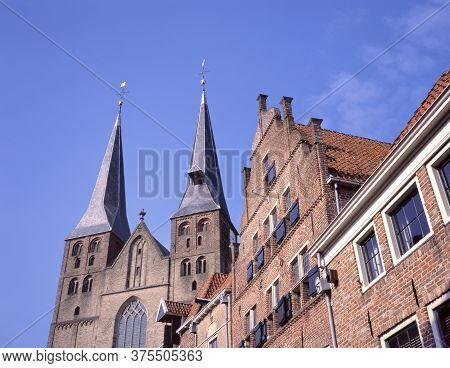 Sint-nicolaas Kerk Or Bergkerk (mountain Church) In Bergkwartier, Deventer, The Netherlands. At The