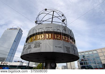 Berlin, Germany - 4 Nov 2012: Weltzeituhr Is World Time Clock And Displays The Time Zones Around The
