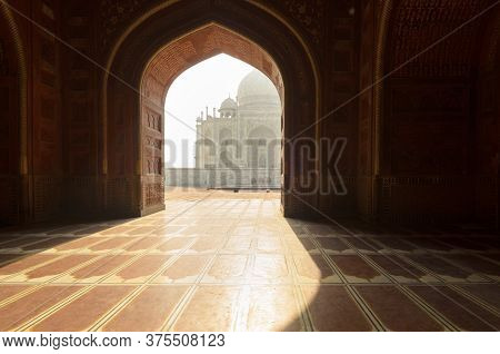 Agra, India - 5 May 2015: Perspective Of The Taj Mahal Main Mausoleum From The Mosque, In Agra, Indi