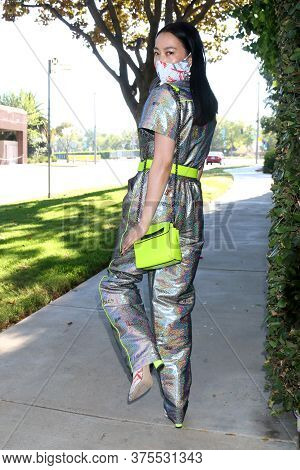 Los Angeles - Jul 4:  Yi Zhou At The Yi Zhou Out And About In Outfit, Mask, Shoes, And Accessories B