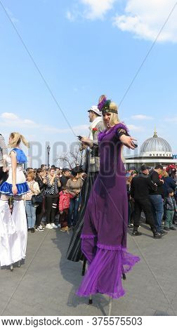 Odessa, Ukraine - 04 01 2019: Funny Tall And Funny Clowns Entertain People On The Occasion Of Laught