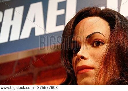 Las Vegas, Nv/usa - Nov 05, 2011: A Waxwork Of  Michael Jackson On Display At Madame Tussauds Wax Mu
