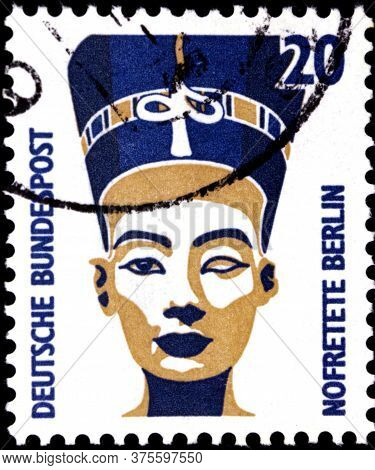 02 08 2020 Divnoe Stavropol Territory Russia The Postage Stamp Germany 1989 Sightseeings Nefertiti B