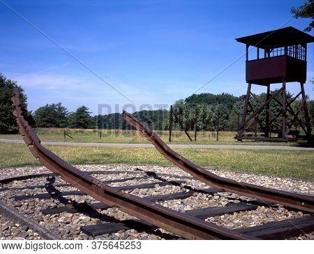 The Westerbork Transit Camp (dutch: Kamp Westerbork, German: Durchgangslager Westerbork) Was To Asse
