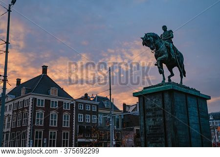The Hague, Netherlands - March 8, 2020: Koning Willem Ii Monument In Den Haag City Old Town, Netherl