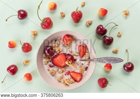 Bowl Of Muesli And Yogurt With Fresh Cherries, Strawberries.diet Breakfast - Bowls Of Oat Flake, Ber