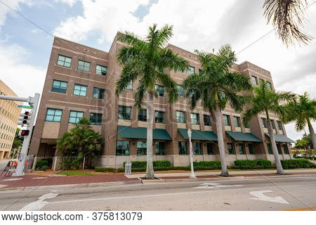 Fort Myers, Fl, Usa - July 8, 2020: Photo Of The Lee County Public Works Building Fort Myers Fl