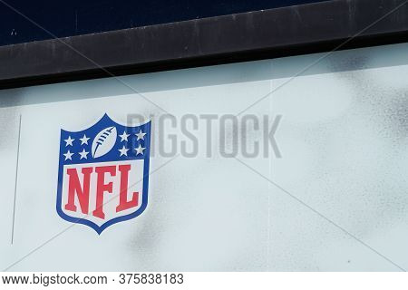 Bordeaux , Aquitaine / France - 07 07 2020 : Nfl Logo Sign On Windows Of Sporty Store Of American Fo