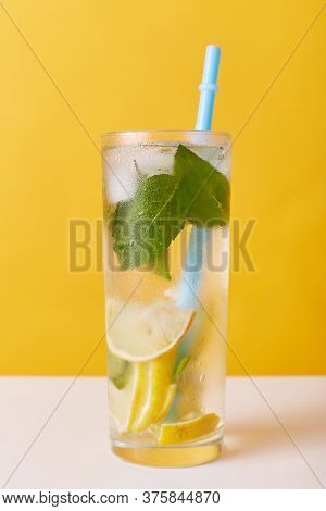 Homemade Refreshing Cold Summer Lemonade Drink With Lemon Slices, Mint And Ice In Mason Jar, Non Alc