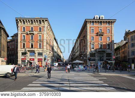 Milan, Italy - April 17, 2018. Pedestrian Street Via Dante With Buildings Of 19th Century As Viewed