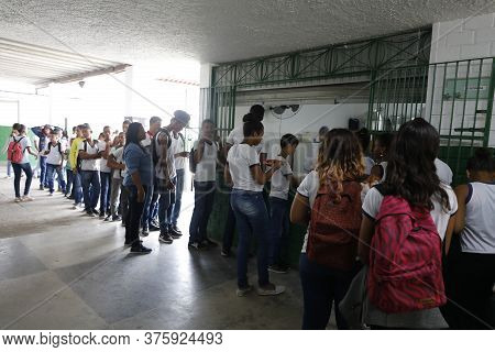 Lauro De Freitas, Bahia / Brazil - August 21, 2019: Students Are Seen At The Vida Nova Municipal Sch