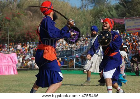 Fencing In Hola Mohalla 2009