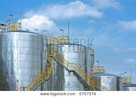 metallic fuel tanks